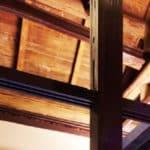 野草居食屋-用餐環境-木柱