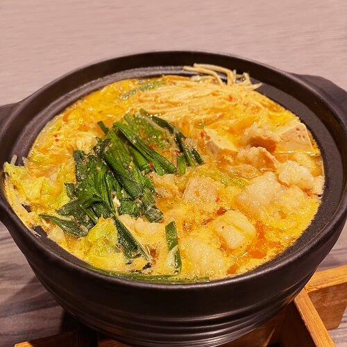 野草居食屋-菜單-九州風牛腸鍋 (煮熟後)