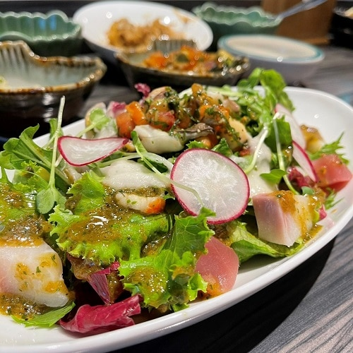 野草居食屋-菜單-香醬刺身海鮮沙拉
